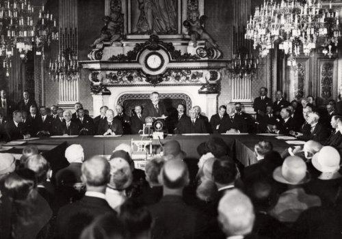 【不戦条約とは】パリ不戦条約をわかりやすく解説!!問題点 ...